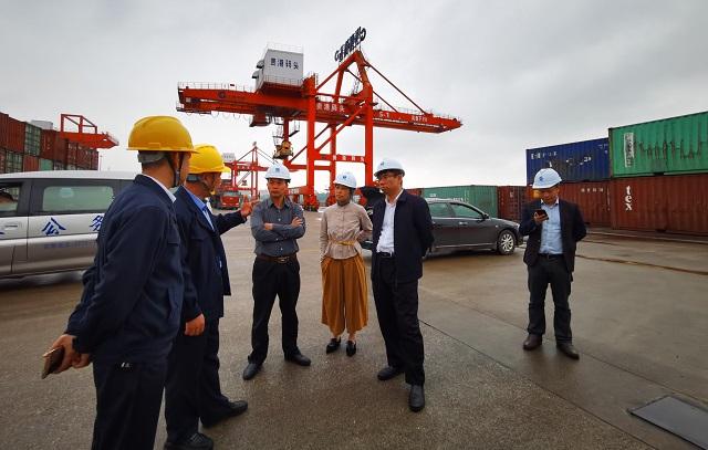 联合会陪同区发展改革委赴贵港、梧州开展物流专项调研